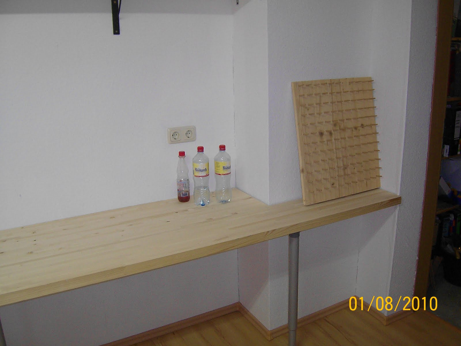 pin schreibtisch selber bauen on pinterest. Black Bedroom Furniture Sets. Home Design Ideas