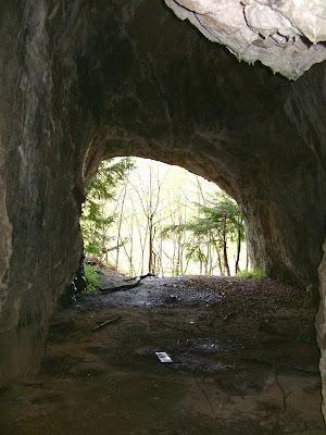 Pogled iz pećine