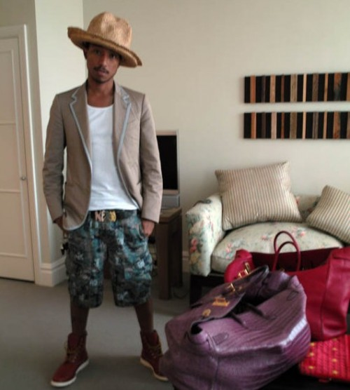 ff5477f45ee9 Pharrell Williams with his Violet 50cm Crocodile Haut à Courroies