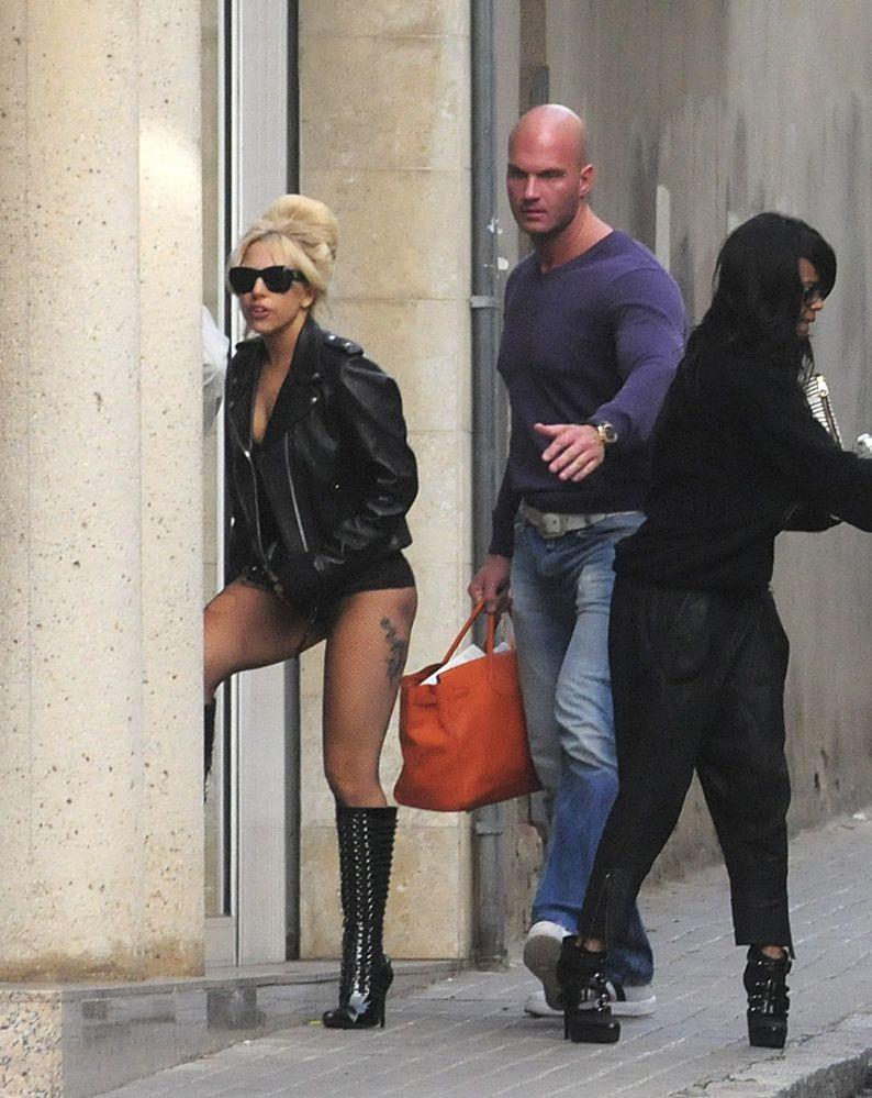231198c1d205 BIRKIN WATCHER  Lady Gaga
