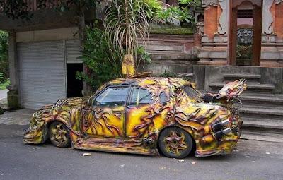 Mobil Modifikasi dari Neraka yang Unik