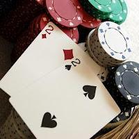Opción en poker de llevar un trío o set en el pre-flop