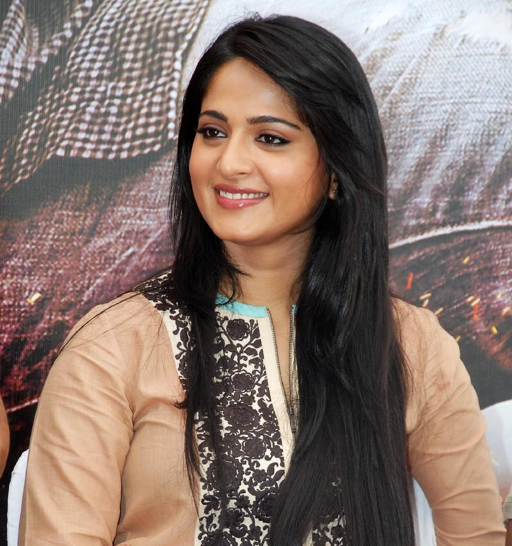 Anushka Shetty Ragada Hairstyle Reference