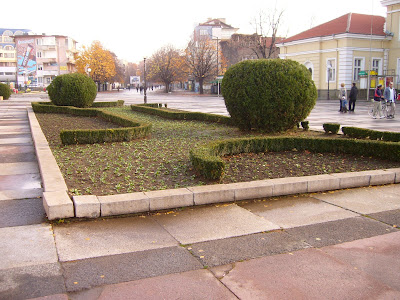 Yambol Garden Set For Winter