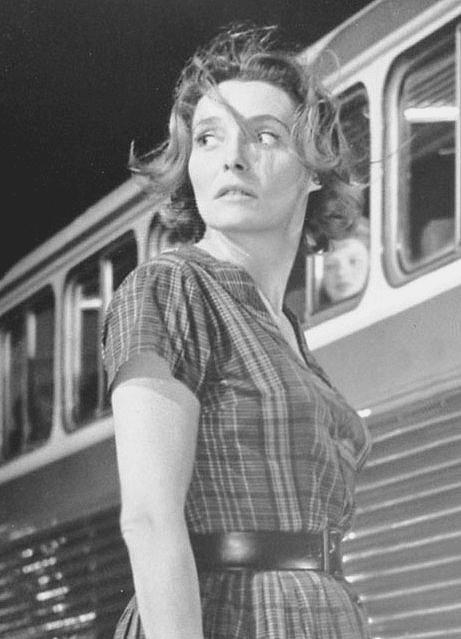 Patricia Neal (1926-2010)   The Non-Blonde