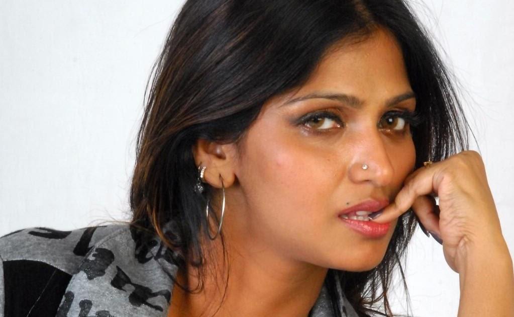 Bhuvaneswari Hot Photos