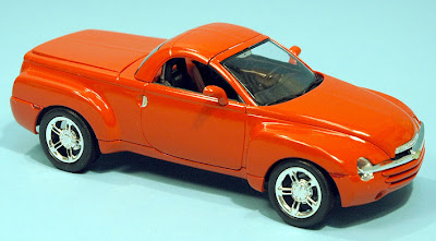 Scale Model News: RETRO-STYLE 1:25 SCALE REVELL CHEVROLET SSR