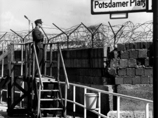 EL MURO DE BERLÍN: La Franja de la Muerte