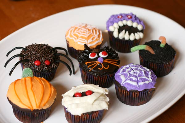 Random craft halloween cupcakes - Halloween decorations for cupcakes ...