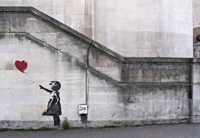 abra el azul del cielo: Graffitis Banksy
