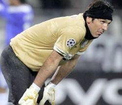 Musim kemudian Juventus kalah bersaing dengan  Terkini Buffon: Mari Kejar Inter