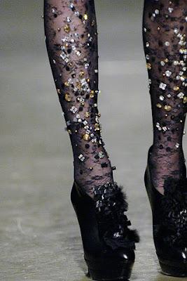 http://4.bp.blogspot.com/_TU_gnW82wD4/TSXJiDtiklI/AAAAAAAAAGE/rjijQmd0RFs/s1600/Doo.Ri_bejeweled_tights.jpg