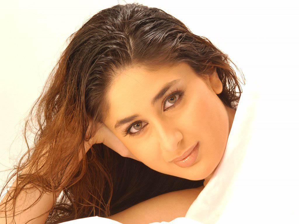 Bollywood Album Kareena Kapoor In Golmaal Returns Images -6358