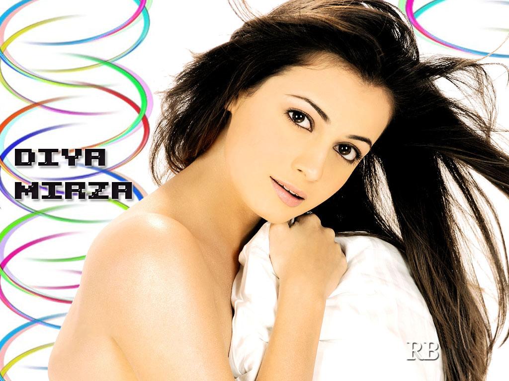 Diya Mirza Wallpapers Bollywood Actress  Guru Fashion-1031