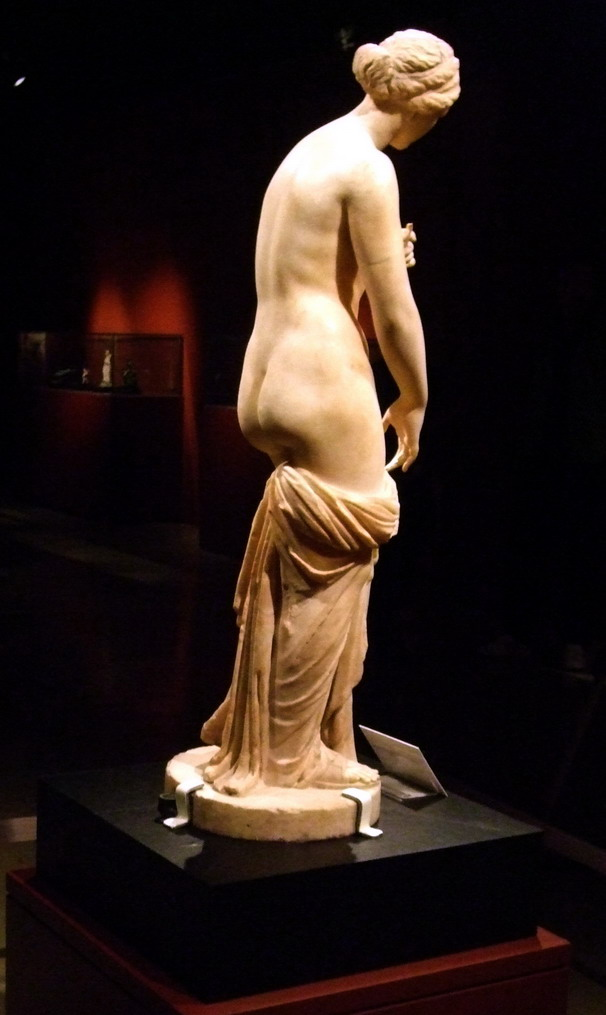 Nude ancient greek females