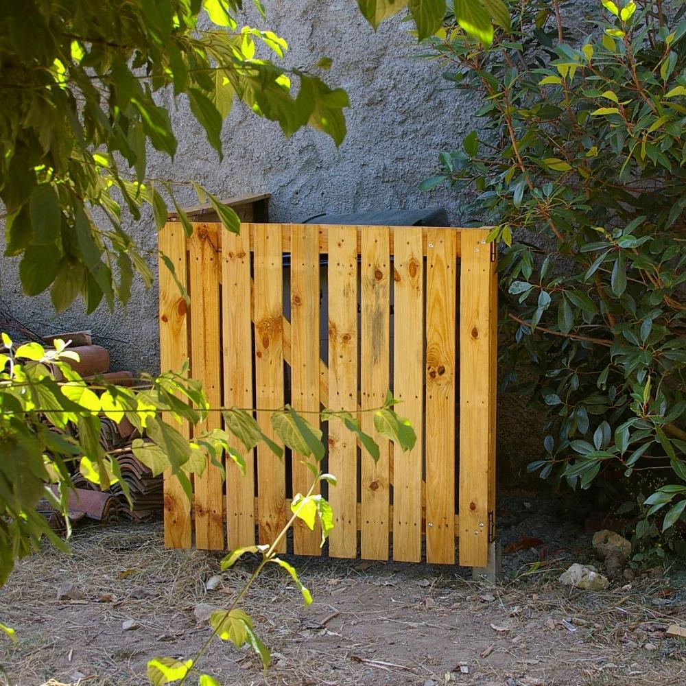 recup 39 de sherwood cache poubelle. Black Bedroom Furniture Sets. Home Design Ideas