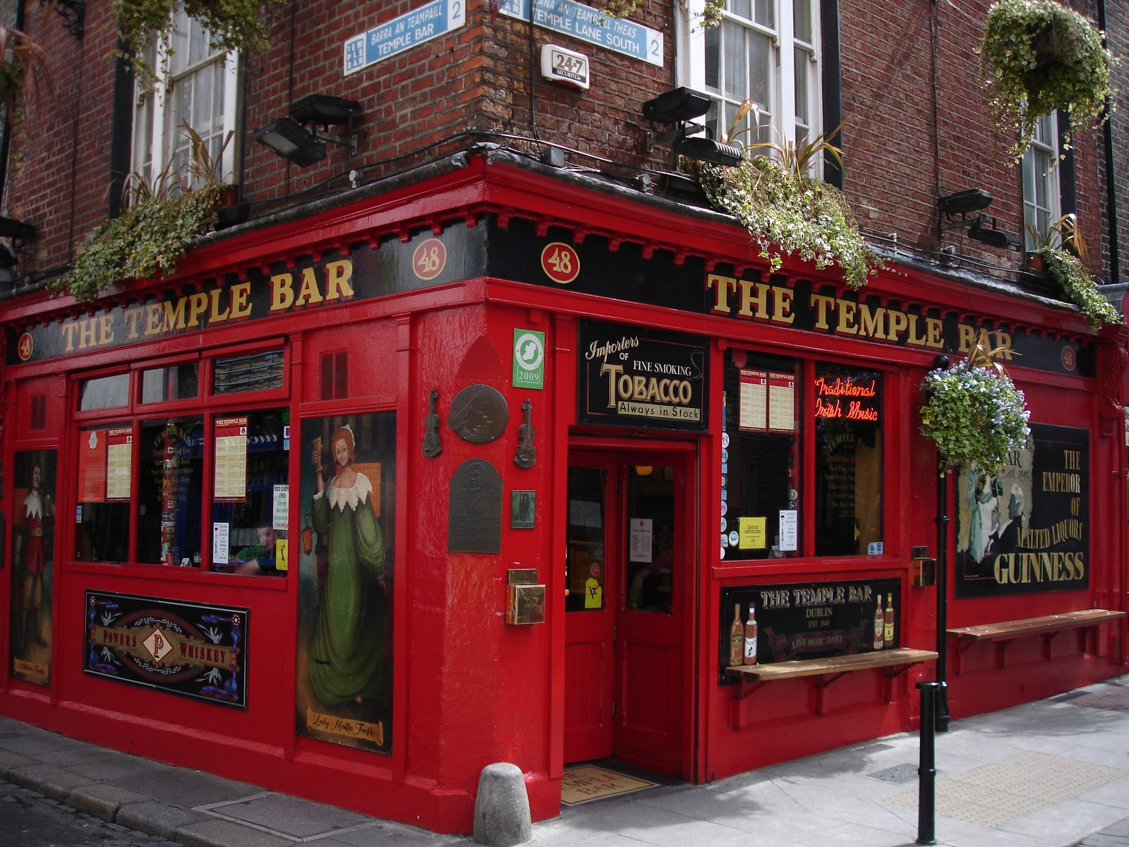 Bar Accommodation Accommodation In Temple Bar Eliza Lodge ...