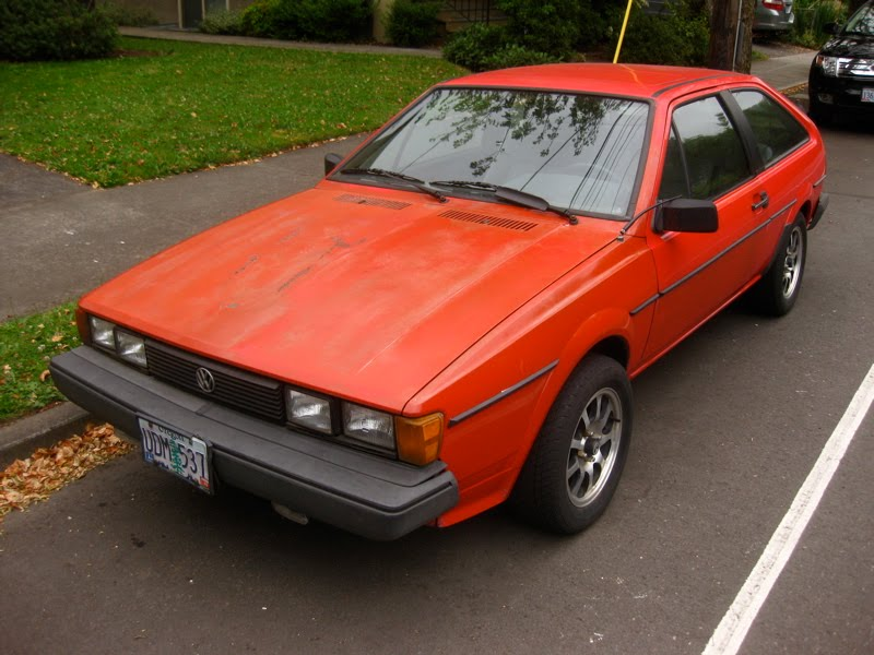 OLD PARKED CARS : 1985 Volkswagen Scirocco