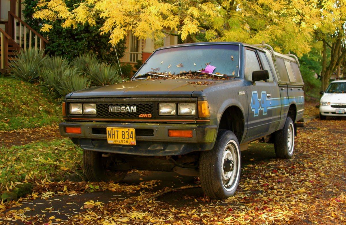old parked cars 1984 datsun nissan 720 pickup. Black Bedroom Furniture Sets. Home Design Ideas