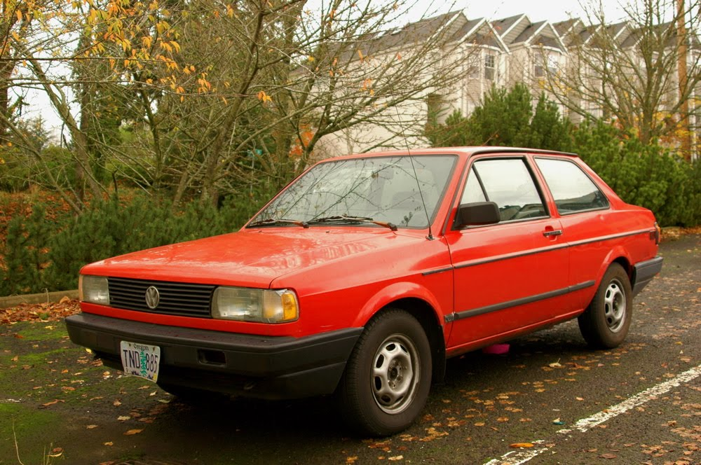 OLD PARKED CARS.: 1990 Volkswagen Fox Coupe
