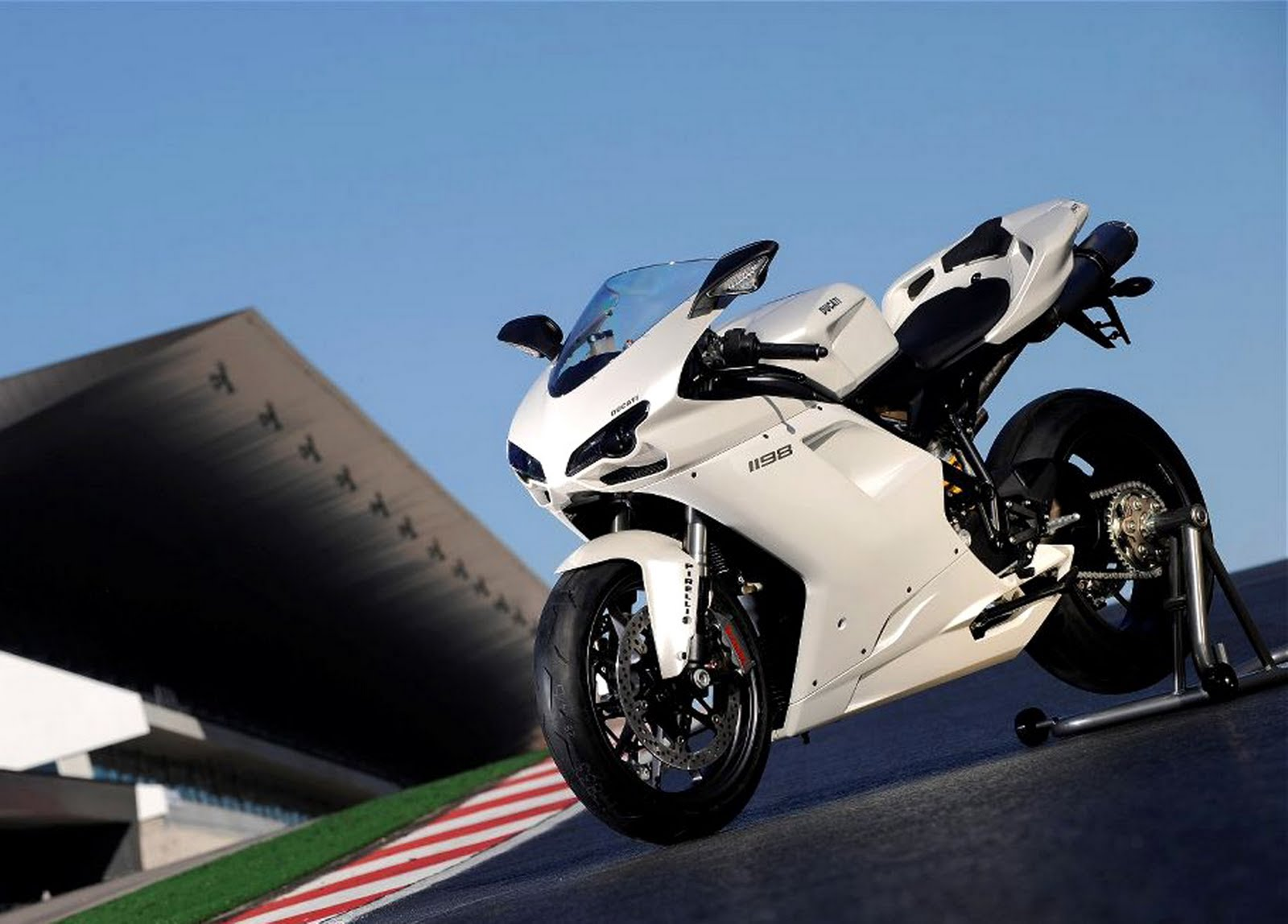 Ducati 1198s Racing Sport Bike: 1198 Ducati