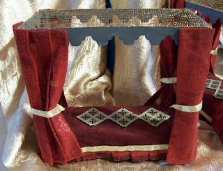 Candid Canine Miniature Tudor Dollhouse Beds