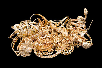 Tips Membeli Emas Perhiasan