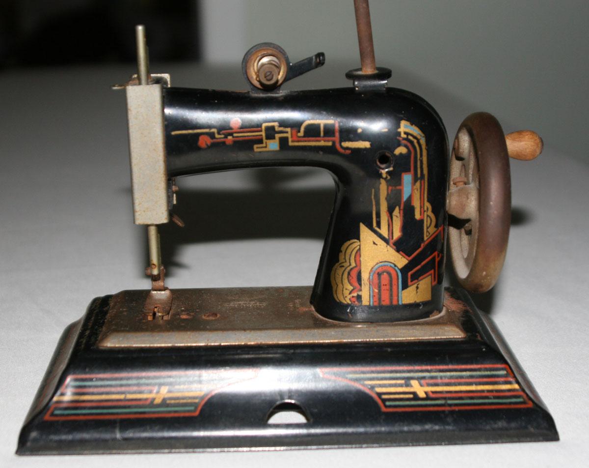 Bonnie B S Blog Bonnie S New Sewing Machine Well Old