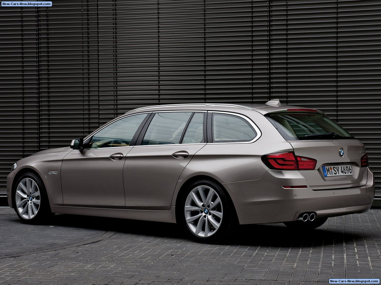 bmw 5 series touring 2011. Black Bedroom Furniture Sets. Home Design Ideas