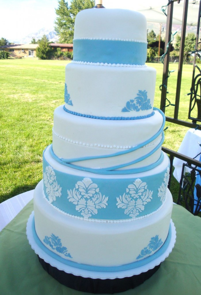 blue white wedding cakes pictures wedding cakes pictures blue damask wedding cakes pictures 12029