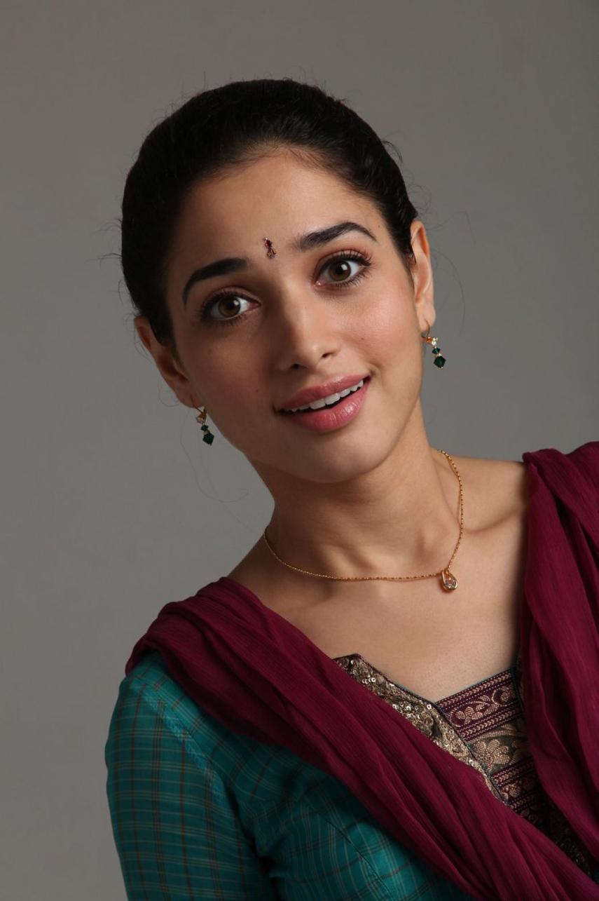 indian actress tamannaah bhatia cute