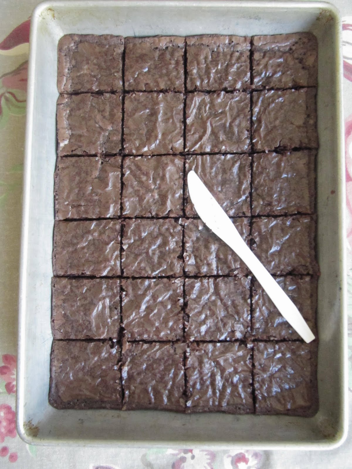 Sew Many Ways Cutting Brownies The Easy Way
