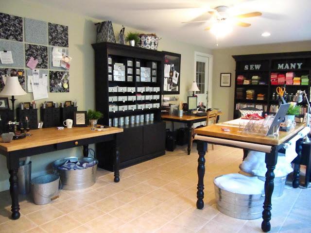 http://4.bp.blogspot.com/_UANDH_2zKkk/TJqXUgb5LiI/AAAAAAAAGMk/lFeMoLnCK24/s1600/sewing+room+001.jpg
