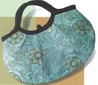 Если вы построили точную модель сумки в натуральную величину, можно...