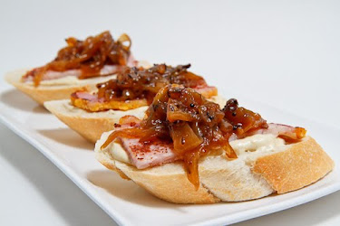 Peameal Bacon and Onion Chutney Crostini