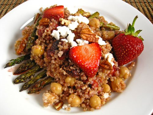 Roasted Strawberry and Asparagus Quinoa Salad Recipe