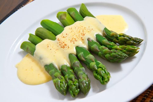 Hollandaise Sauce on Asparagus
