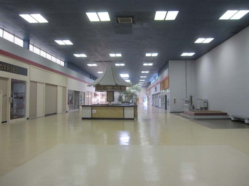 Sky City: Retail History: Houston Mall: Warner-Robins, GA