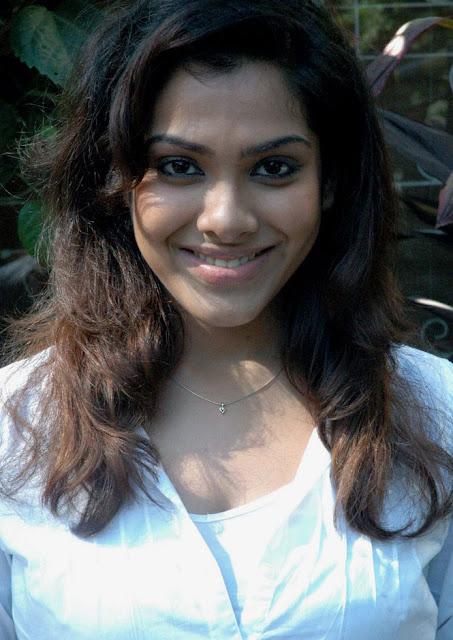 Sandhya Latest Stills 5