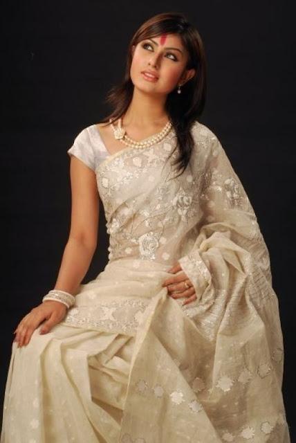 Keerthi Reddy in White Saree