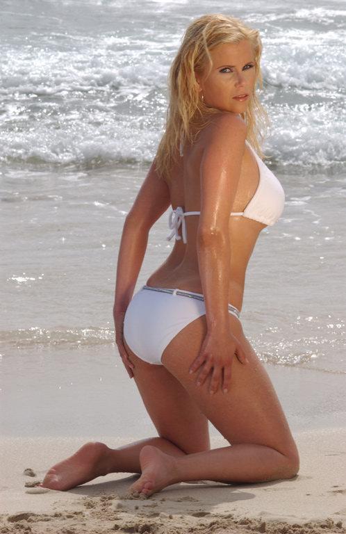 Sexy Gina Wild