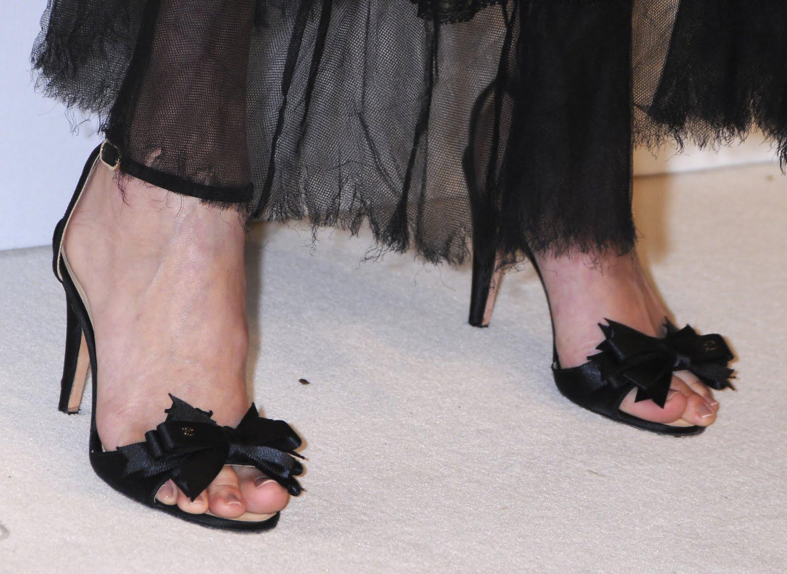 HAlLe Beauty Blog: January Jones FeetJanuary Jones Foot