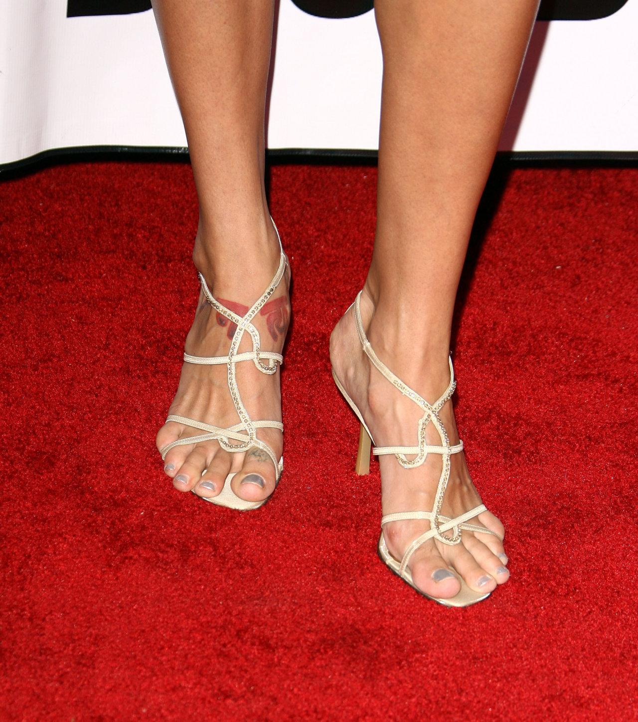 Brooke Lyons Shoe Size