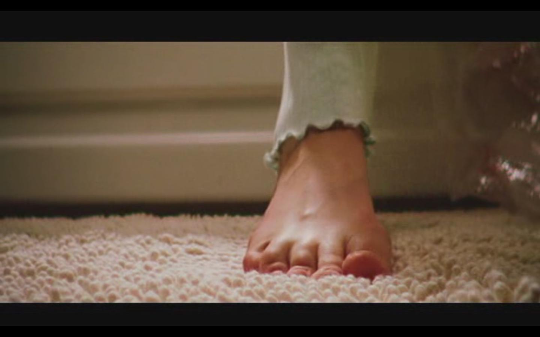 HOLLYWOOD FEETS: Sarah Polley Feet