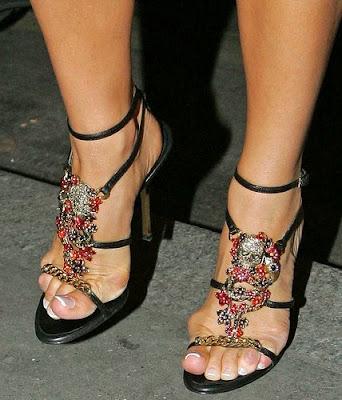 Pointofviewtunhanifomar Victoria Beckham Feet