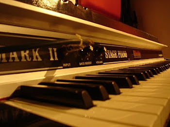Piano RHODES Mark II Stage