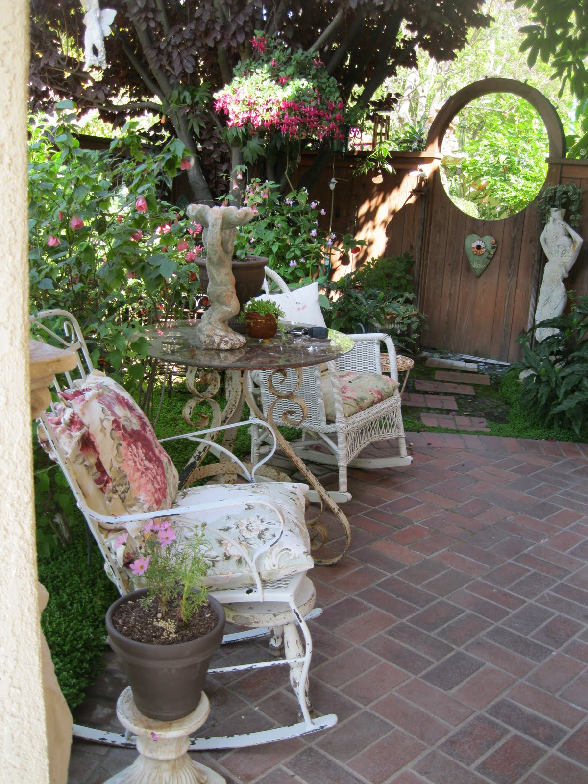 Shabby Chic Cottage Garden Ideas Photograph   Home Decor
