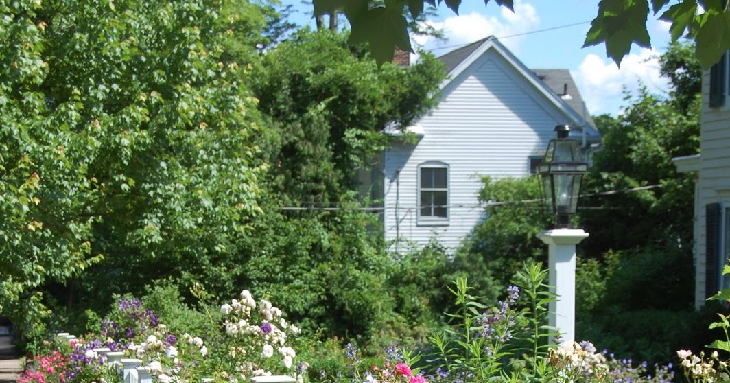 Little Red House: My Dream Garden on My Dream Patio id=19997