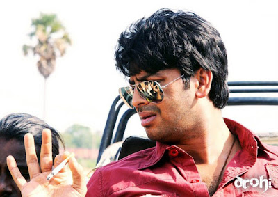 Srikanth escapes from accident