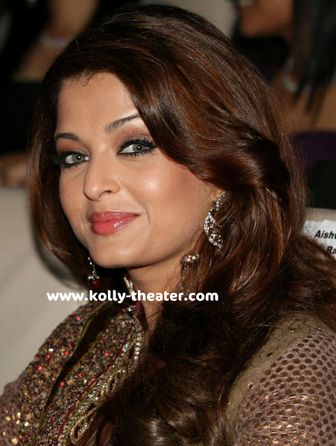 Aishwarya at Endhiran Audio Launch-Aishwarya-Rajinikanth